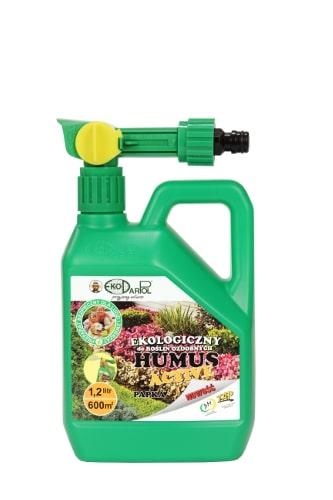 Humus Active Do Roślin Ozdobnychto EKOLOGICZNY POLEPSZACZ GLEBOWY przeznaczony do stosowania pod rośliny ozdobne kwiatowe (rododendron, róża, żonkile, nasturcje i inne) oraz krzewy ozdobne i iglaki. Zawiera 90% substancji organicznych w postaci związków próchniczych,w tym 55% kwasów humusowych, pozytywne mikroorganizmy oraz minerały ilaste i składniki pokarmowe.Stosowanie:Następnie włączyć wodę i odchylając zabezpieczenie przekręcić zawór. Opryskać glebę z roślinami.